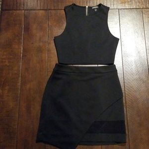 Express crop top and Skirt